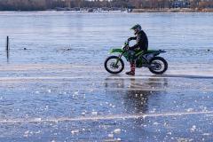 motor op het ijs